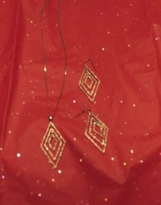 Jessica Simpson necklace and earring set